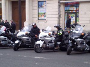 Moto-taxis en attente de leurs passagers